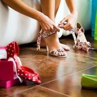 Afaceri din pasiune: Cum devenim designeri de ... pantofi?