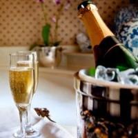 Afaceri banoase si originale? Deschide-ti firma de catering romantic!