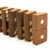 Cand afacerile se transforma in jocuri de domino ...