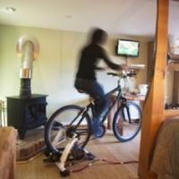 Afaceri verzi: Hotelul in care te uiti la TV doar daca dai la pedale