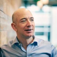 Reguli de aur: Invata de la Jeff Bezos cum sa cladesti un imperiu din propria afacere!