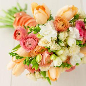 Start la afaceri cu flori: O florarie stradala!