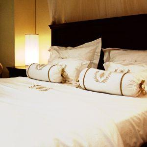 Idei de afaceri simple, cu profit rapid si acasa: Confectionarea de lenjerii de pat de lux, handmade!