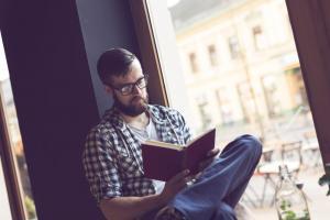 Cum sa ai o afacere de succes: 5 carti de business care te pot ajuta in cariera